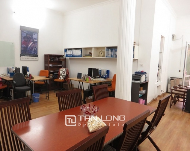 Nice 3 storey villa with big courtyard for rent in Tong Duy Tan, Ba Dinh, Hanoi 9