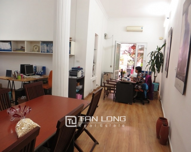 Nice 3 storey villa with big courtyard for rent in Tong Duy Tan, Ba Dinh, Hanoi 10