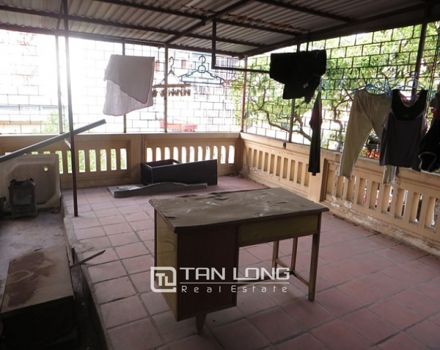 Nice 3 storey villa with big courtyard for rent in Tong Duy Tan, Ba Dinh, Hanoi 6