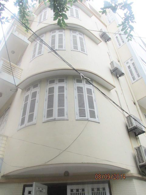 Nice 4.5 storey house for rent in Hoang Ngan street, Cau Giay district, Hanoi.