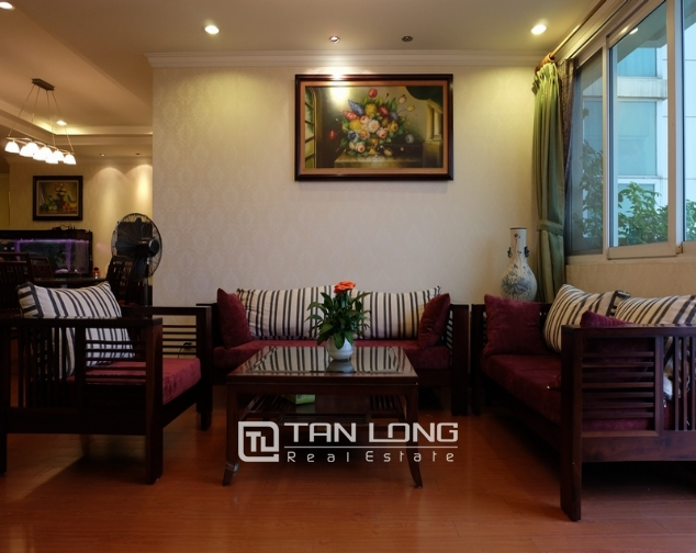 Nice and full furniture 4 bedroom apartment in E5, Ciputra 2