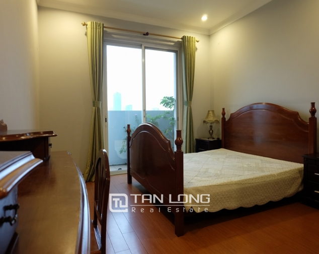 Nice and full furniture 4 bedroom apartment in E5, Ciputra 5