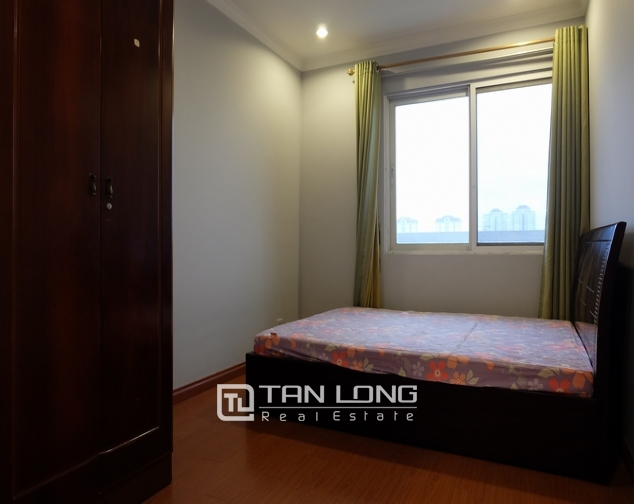 Nice and full furniture 4 bedroom apartment in E5, Ciputra 6
