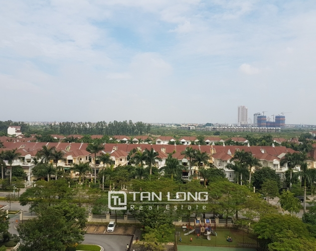 Nice and full furniture 4 bedroom apartment in E5, Ciputra 10