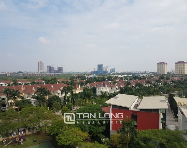 Nice and full furniture 4 bedroom apartment in E5, Ciputra 9