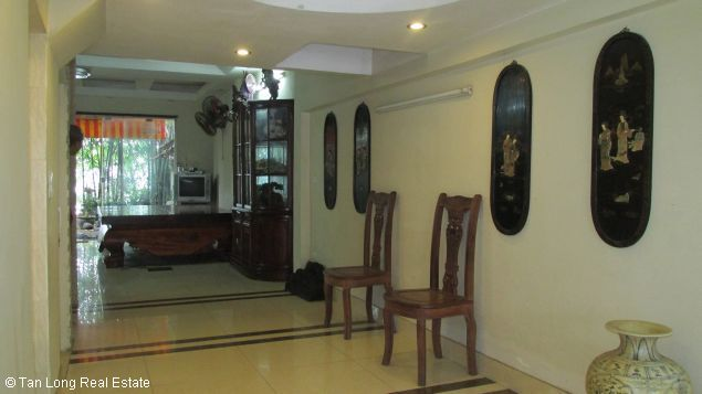 Nice and modern fully furnished house with a beautiful view in Long Bien Dict, Ha Noi. 6