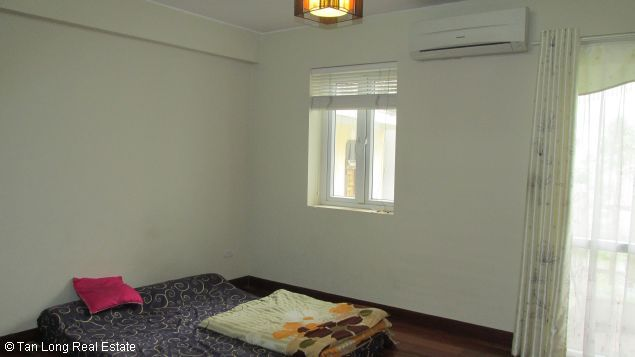 Nice and modern fully furnished house with a beautiful view in Long Bien Dict, Ha Noi. 9