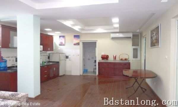 Nice apartment for rent in Au Co street, Tay Ho district. 2
