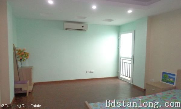 Nice apartment for rent in Au Co street, Tay Ho district. 10
