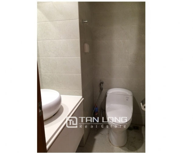 Nice apartment in Vinhomes Nguyen Chi Thanh, Dong Da street, Hanoi for lease 7