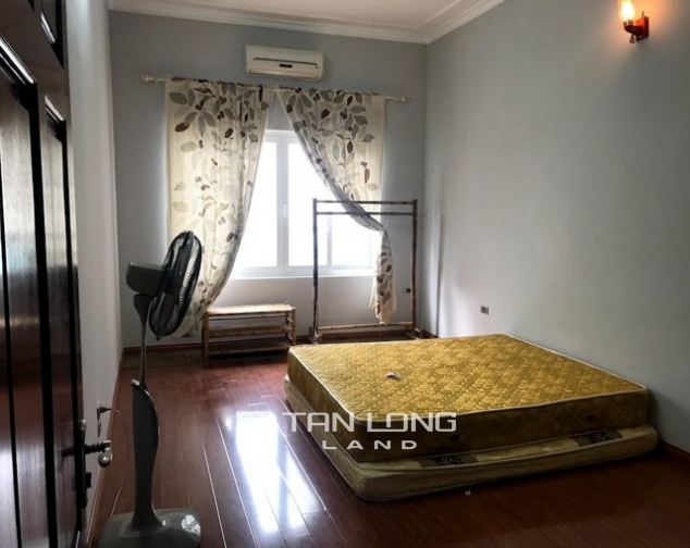 Nice furnished 7 bedroom house for rent on Au Co street, Tay Ho district 5