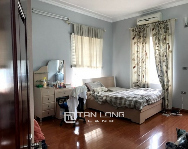 Nice furnished 7 bedroom house for rent on Au Co street, Tay Ho district 6