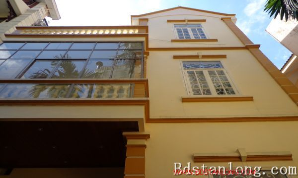 Nice house for lease in Tay Ho Hanoi 1