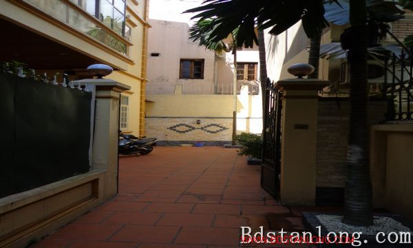 Nice house for lease in Tay Ho Hanoi 2