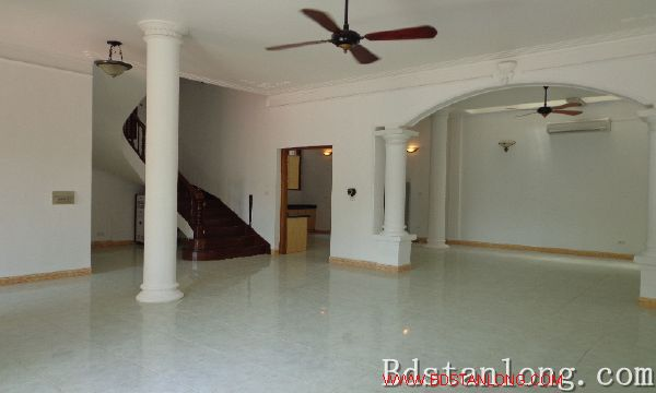 Nice house for lease in To Ngoc Van street, Tay Ho dist, Hanoi 3