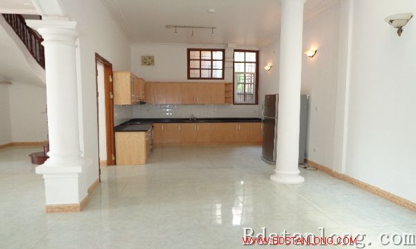 Nice house for lease in To Ngoc Van street, Tay Ho dist, Hanoi 4