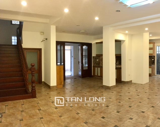 Nice house for rent in Dang Thai Mai street, Tay Ho district, Hanoi. 3