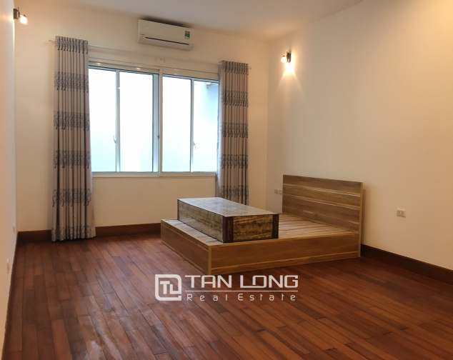 Nice house for rent in Dang Thai Mai street, Tay Ho district, Hanoi. 4