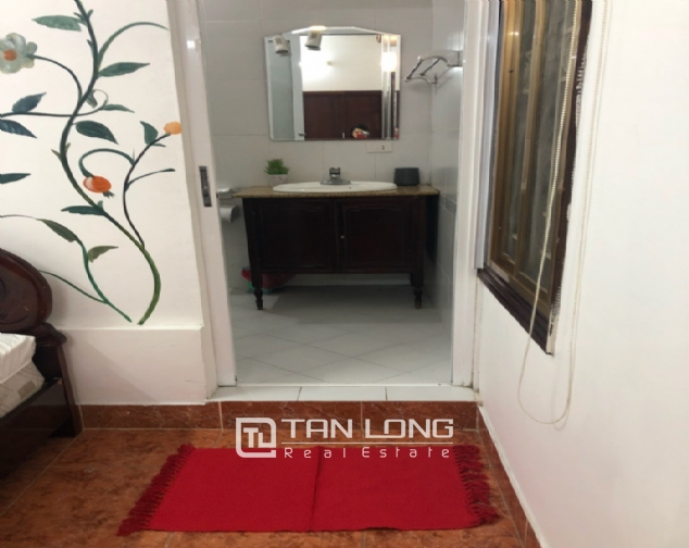 Nice house for rent in Dang Thai Mai street, Tay Ho district! 5