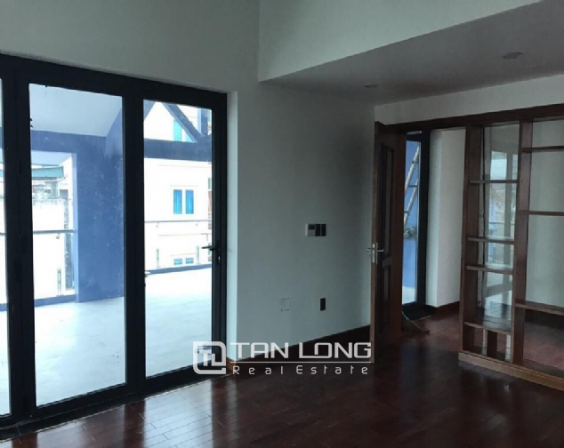 Nice house for rent in Do Duc Duc Street, Me Tri Ward, Nam Tu Liem District, Hanoi 2