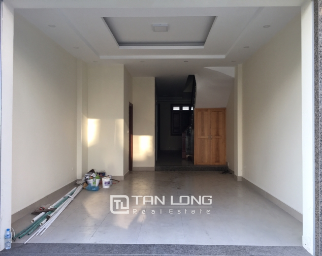 Nice house for rent in Lac Long Quan street, Tay Ho district, Hanoi. 1