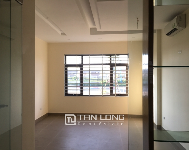 Nice house for rent in Lac Long Quan street, Tay Ho district, Hanoi. 3