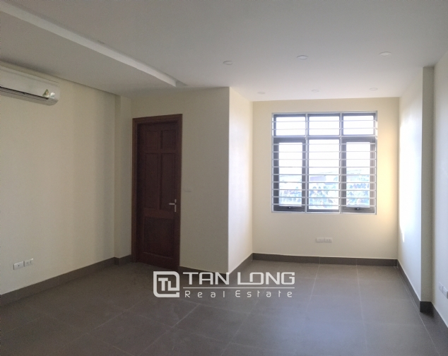 Nice house for rent in Lac Long Quan street, Tay Ho district, Hanoi. 4