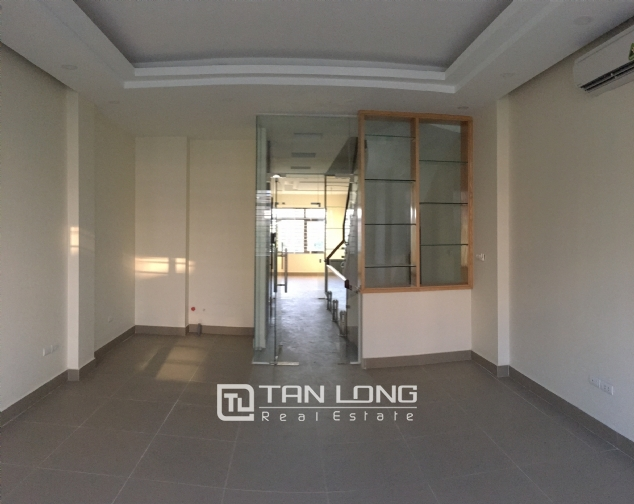 Nice house for rent in Lac Long Quan street, Tay Ho district, Hanoi. 5