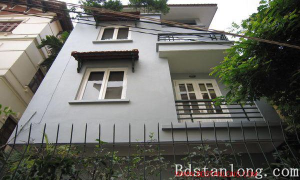 Nice house for rent in Nghi Tam village, Tay Ho district, Hanoi. 1