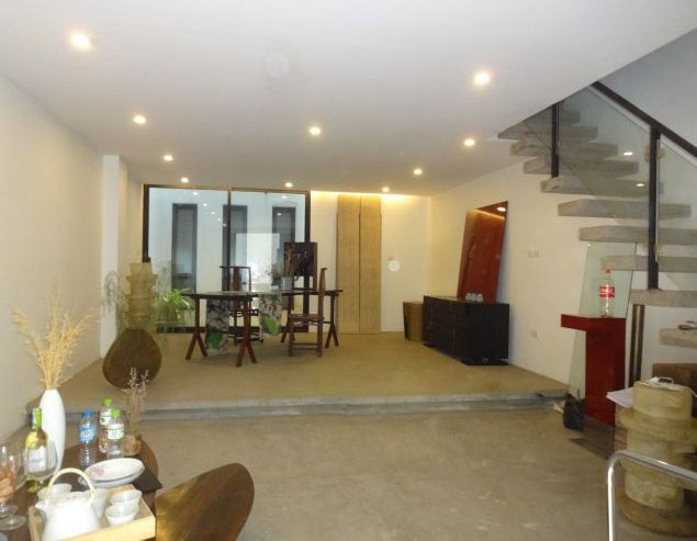Nice house for rent in Xuan Dieu street, Tay Ho district, $1100