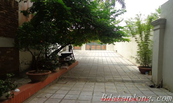Nice house for rent in Xuan Dieu street, Westlake Hanoi 3