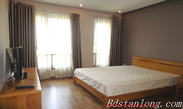 Nice house for rent in Xuan Dieu street, Westlake Hanoi 1