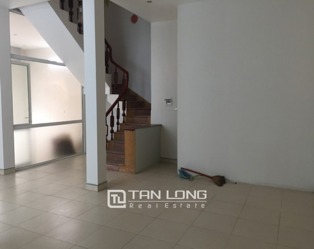 Nice house with 3 floors in Sai Dong street, Long Bien Street for lease 2