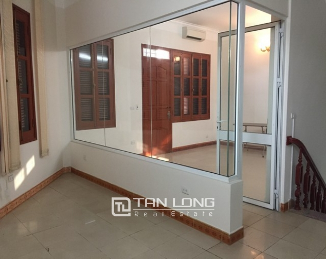 Nice house with 3 floors in Sai Dong street, Long Bien Street for lease 4
