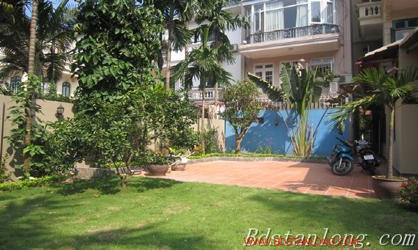 Nice house with big garden for rent in Westlake Hanoi 2