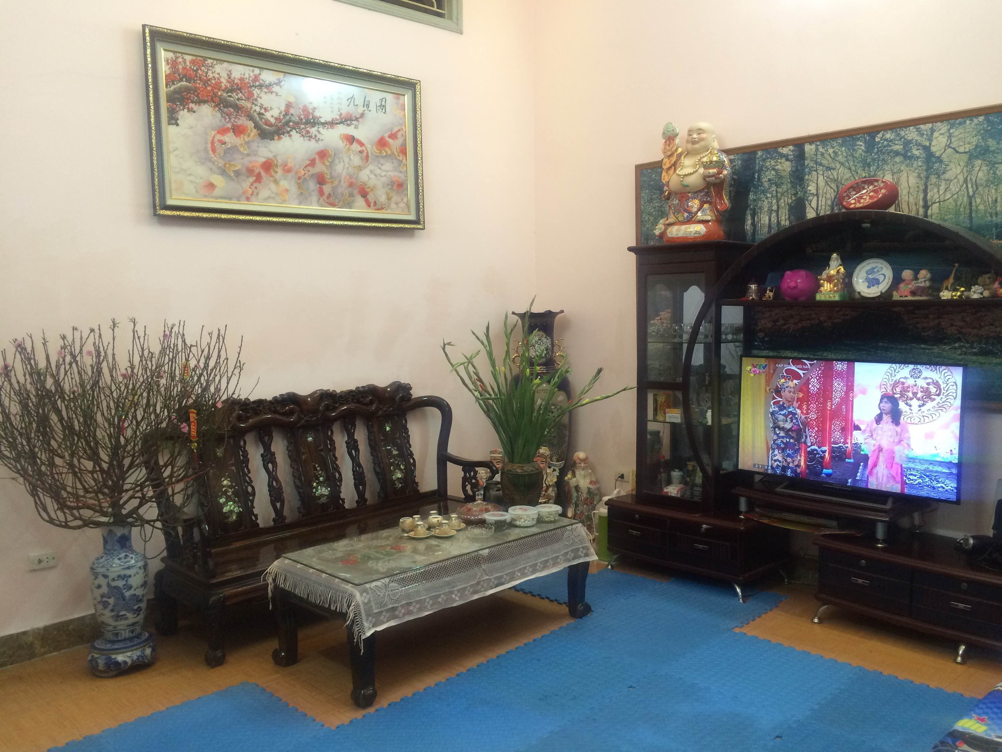 Nice house with spacious court yard and balcony for sale in Kim Ma, Ba Dinh district