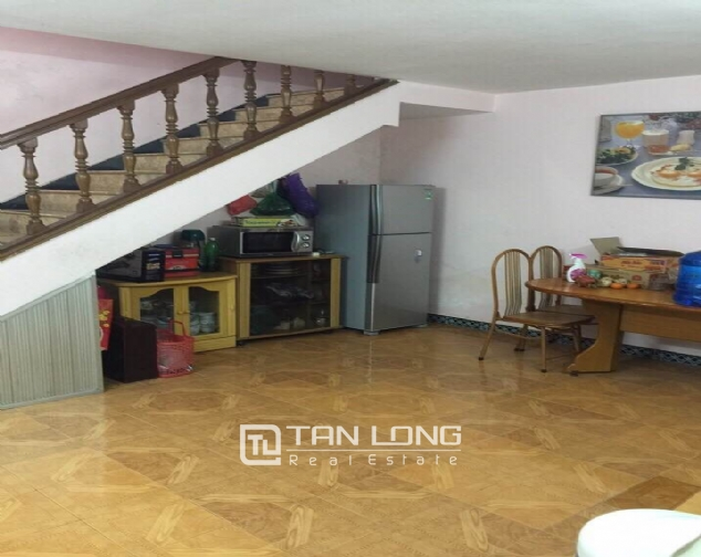 Nice house with spacious court yard and balcony for sale in Kim Ma, Ba Dinh district 4