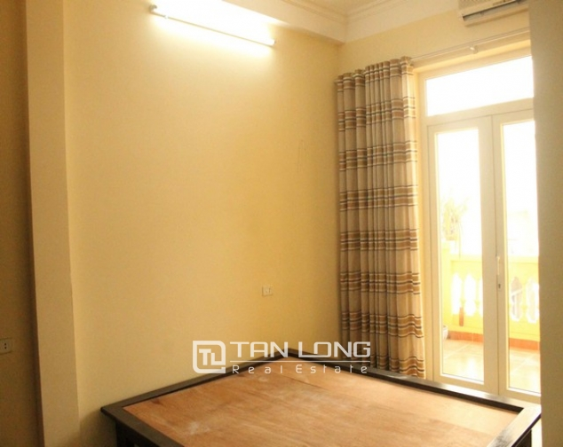 Nice houses for rent in Tran Phu, Ba Dinh district, Hanoi for rent 5