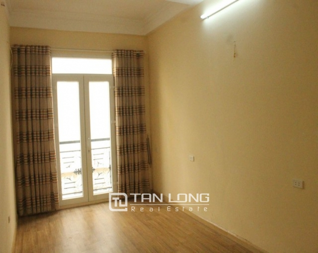 Nice houses for rent in Tran Phu, Ba Dinh district, Hanoi for rent 6