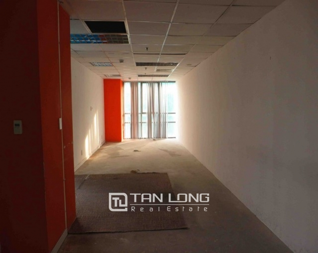 Nice Icon 4 tower office in Dong Da dist, Hanoi for lease 5