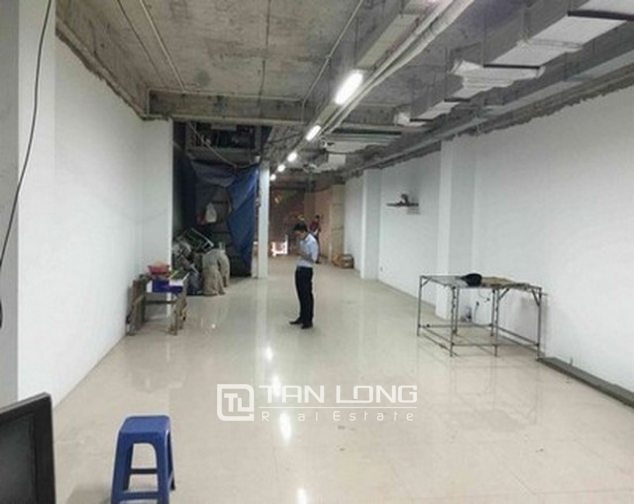 Nice office buliding with 8 stories for lease in Tran Nhan Tong street 1