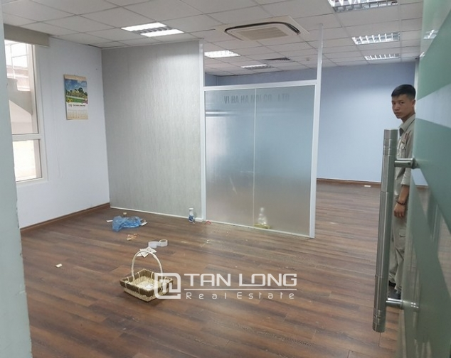 Nice office in Lang Ha street, Dong Da district, Hanoi for rent 6