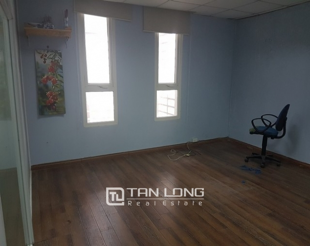 Nice office in Lang Ha street, Dong Da district, Hanoi for rent 7