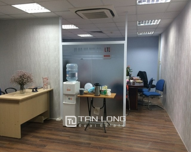 Nice office in Lang Ha street, Dong Da district, Hanoi for rent 9