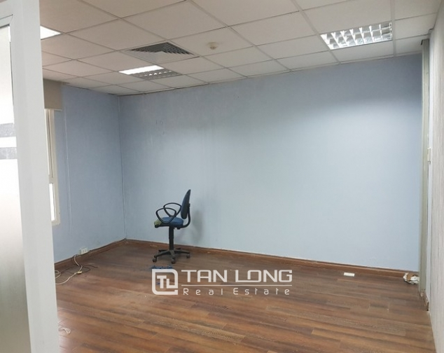 Nice office in Lang Ha street, Dong Da district, Hanoi for rent 3