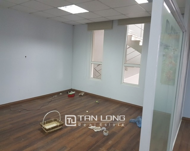 Nice office in Lang Ha street, Dong Da district, Hanoi for rent 4