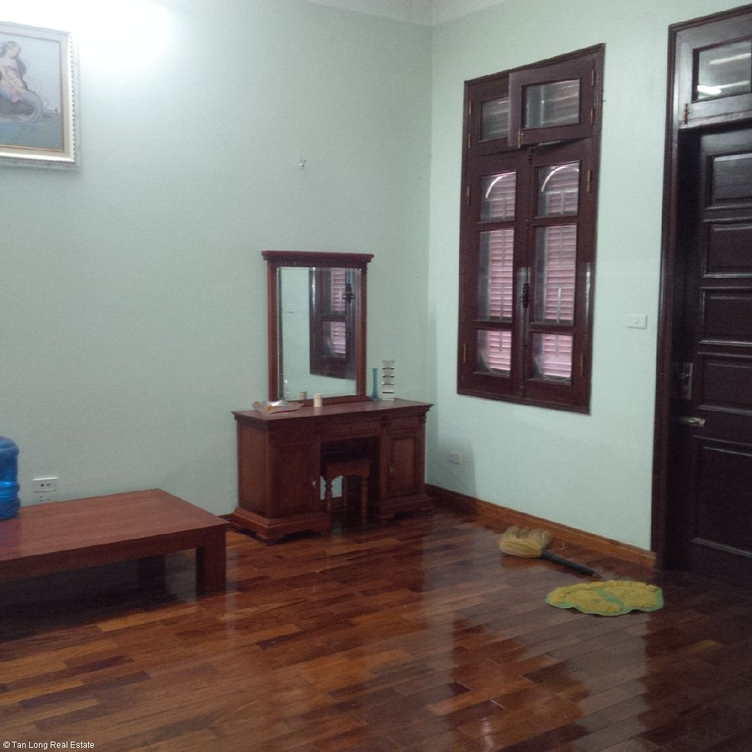 Nice semi furnished house for rent in Sai Dong new urban block 6