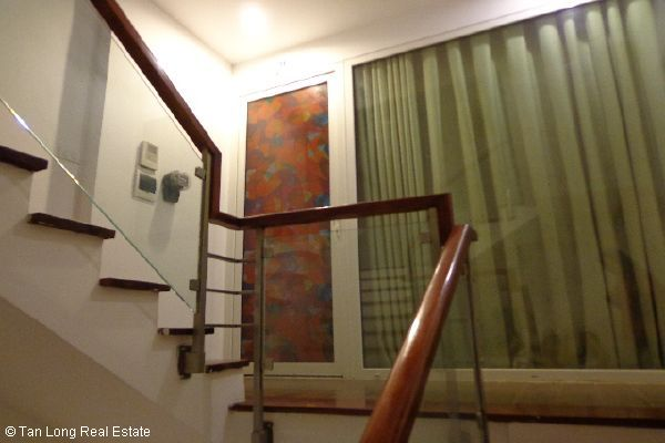 Nice serviced apartment for lease in Bui Thi Xuan street 1