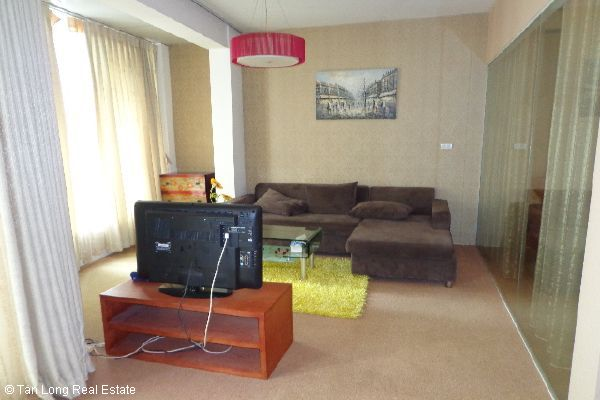 Nice serviced apartment for lease in Bui Thi Xuan street 7