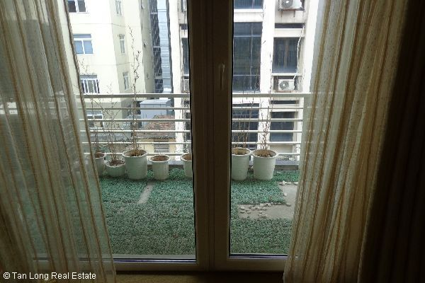 Nice serviced apartment for lease in Bui Thi Xuan street 9